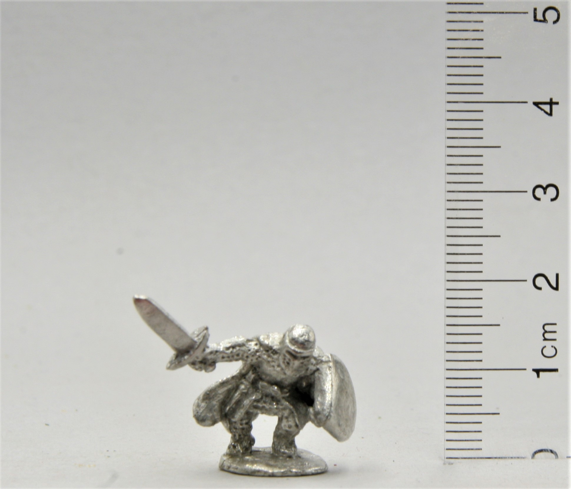 Knight with Cape Attacking pewter